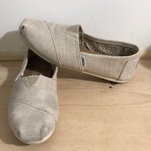 Toms women's slip on/Flats-shoes size 8.5-Cream